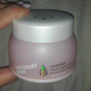 Brand New w/Box Saturday Skin Waterfall Cream